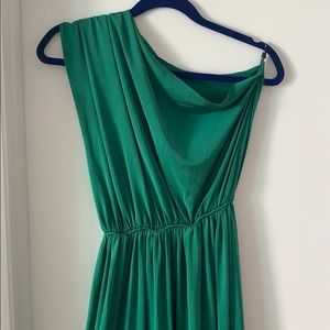 Poema Dresses - One shoulder green maxi with front slit